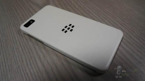 BlackBerry Z10 màu trắng lộ ảnh trước giờ G - 1