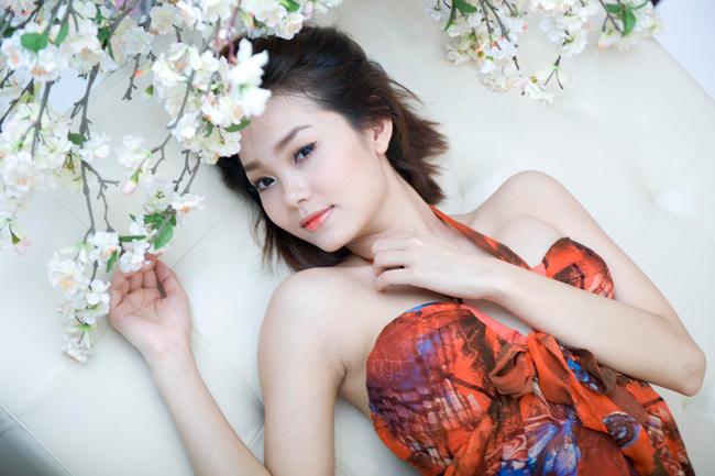 Là một trong những mỹ nữ luôn gây bão trong showbiz với những scandal nhưng không ai có thể phủ nhận được sức cuốn hút của MinhHằng.
