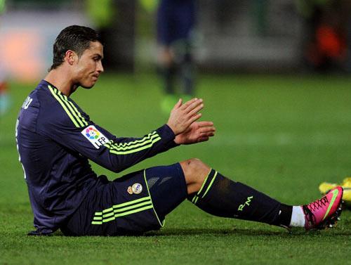 """Ronaldo """"cảm cúm"""", Real sẽ """"ốm""""! - 1"""