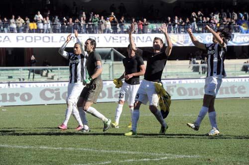 Serie A sau V23: Chỉ còn hai ngựa - 1