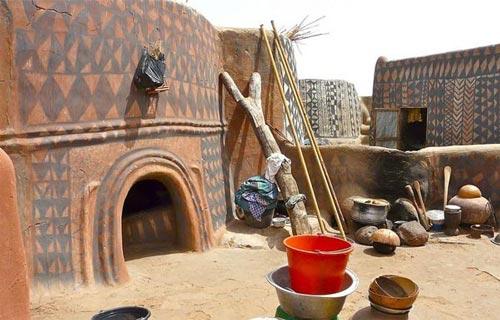 Chiêm ngưỡng nhà bùn nghệ thuật châu Phi - 1