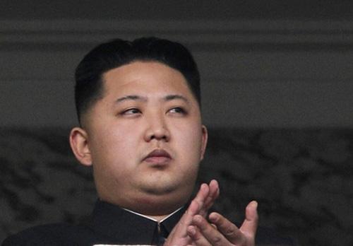Chủ tịch Kim Jong Un là tín đồ của HTC Butterfly? - 1