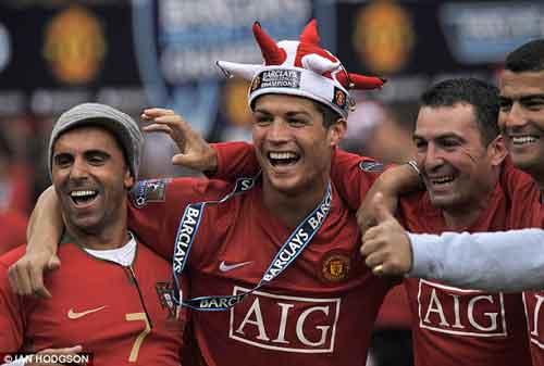 """Ronaldo: MU không """"cùng mâm"""" với Real - 1"""