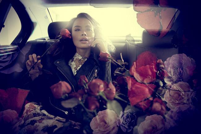 Thu Hiền rạng rỡ giữa ngàn hoa - 1