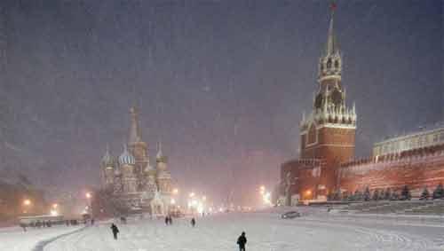 Nga: Tuyết rơi dày nhất trong 100 năm qua - 1