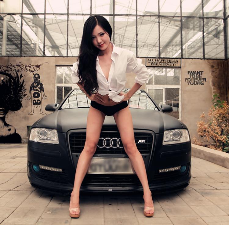 Diễm My 9x 'lột bỏ xiêm y' bên xế sang 'Sốt' xình xịch 3 vòng bên Nissan Những siêu mẫu Việt sexy bên xe 2012 Hotgirl sexy rửa xe chơi tết