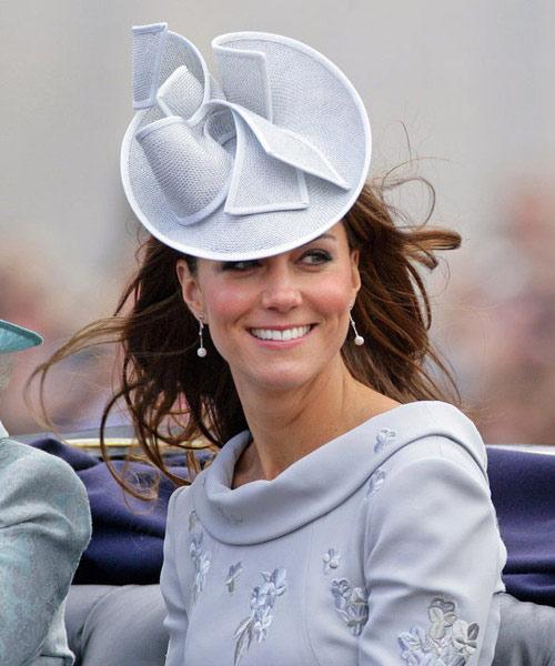 Chọn phụ kiện theo phong cách Hoàng gia - 1