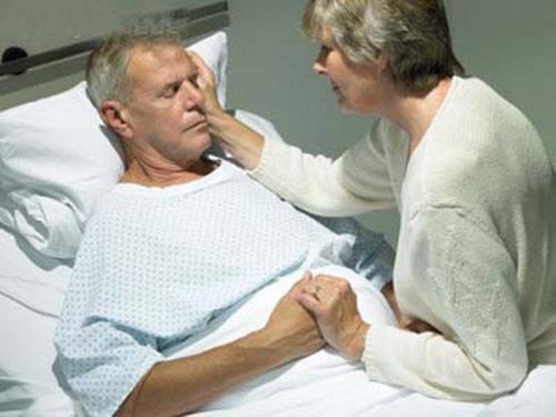 Cấp cứu người cao tuổi: Làm sao cho đúng? - 1