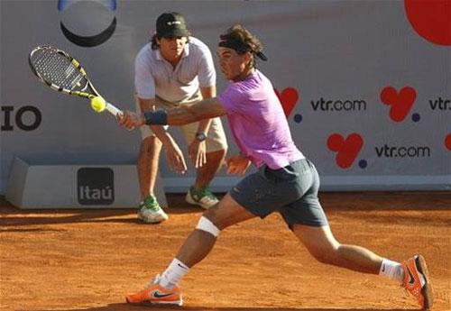 Nadal thẳng tiến vào bán kết VTR Open - 1