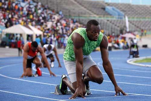 Bolt khởi đầu thuận lợi ở cự ly 400m - 1