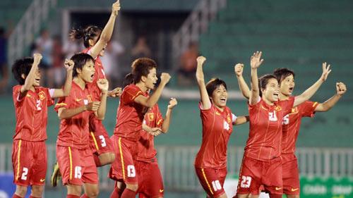Bóng đá nữ VN: Mơ giành vé World Cup 2015 - 1