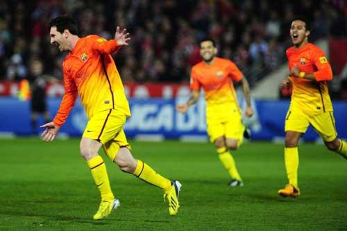 Liga sau V24: Gọi tên Messi & Mourinho - 1