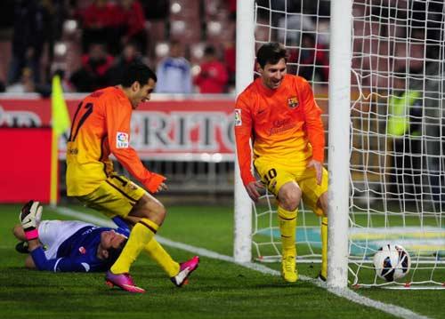 Barca không quá phụ thuộc vào Messi - 1