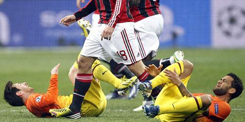 """Milan hạ Barca: Khi Messi là """"bóng ma"""" - 1"""