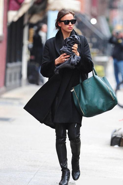 Siêu mẫu mặc gì đi dạo phố đầu năm? - 1