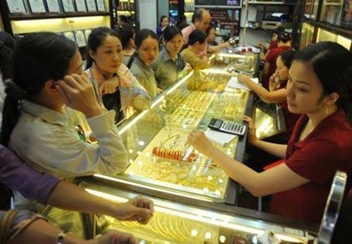 Không mua vàng lẻ: Dân phát hoảng - 1