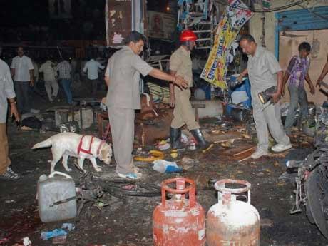 Ấn Độ: Hai vụ nổ chợ, 72 người thương vong - 1