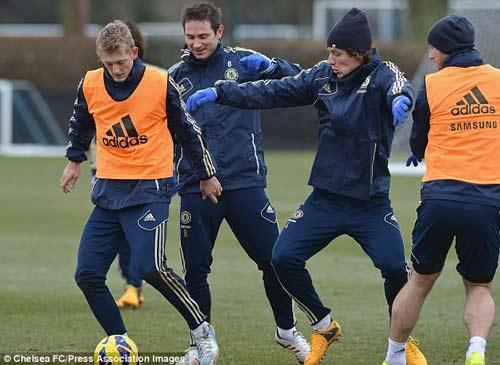 Benitez lo lắng trước đại chiến Man City - 1