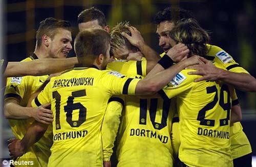"""Sir Alex """"ngán"""" Dortmund hơn Bayern - 1"""