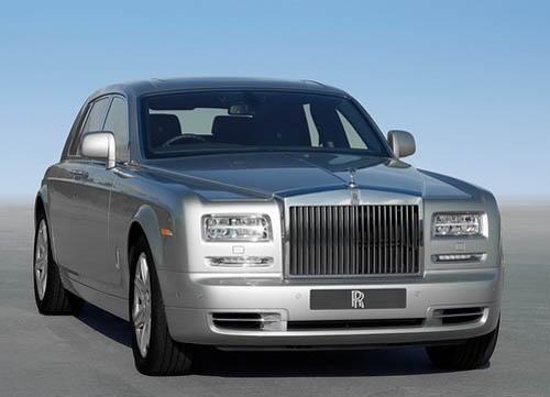 Rolls-Royce Phantom 2013 có thể cháy khi bơm xăng - 1