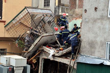 Những vụ nổ sập kinh hoàng, nhiều người chết - 1