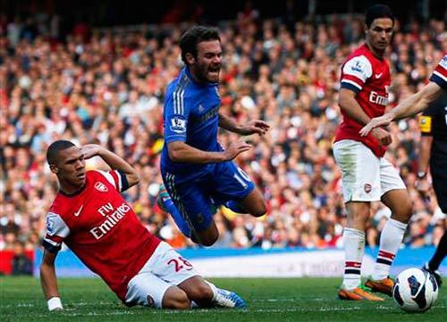 Wenger mơ top 3, Benitez giữ top 4 - 1