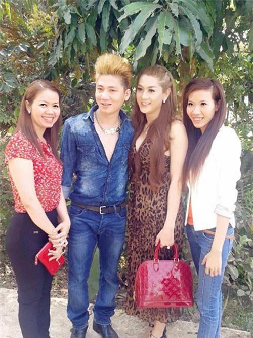 Lâm Chí Khanh gợi cảm về thăm quê chồng - 1