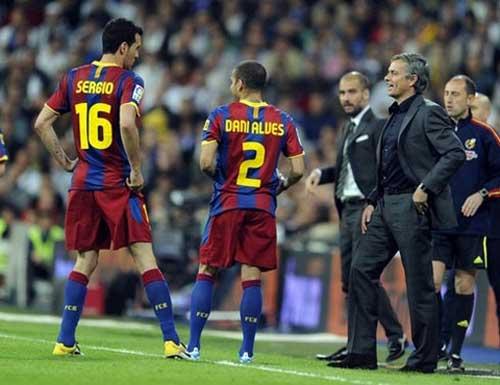 Mourinho nói kháy Barca trước đại chiến - 1