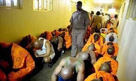 Sự thật nhức nhối bên trong nhà tù ở Nam Phi - 1
