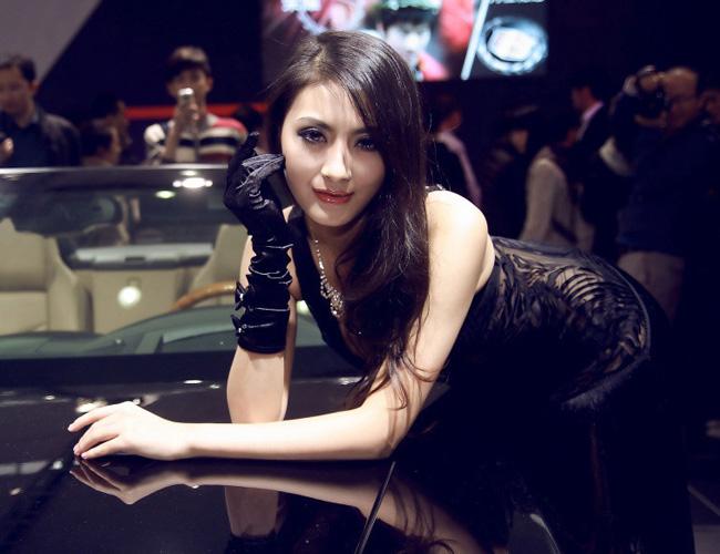 Diễm My 9x 'lột bỏ xiêm y' bên xế sang Hotgirl sexy rửa xe chơi tết Mỹ nhân Thái Lan khoe sắc cùng xế yêu Những siêu mẫu Việt sexy bên xe 2012