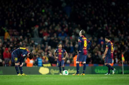 """Barca có thể """"chấp"""" HLV đến bao giờ? - 1"""