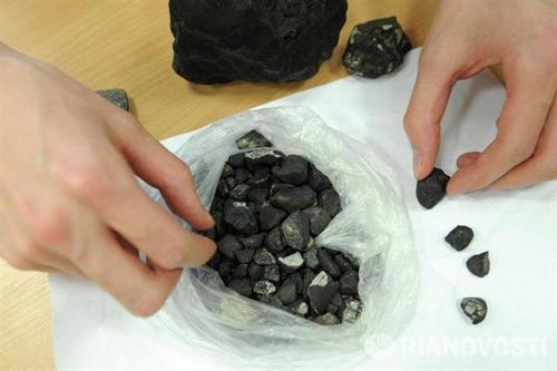 Nga cấm đưa các mảnh thiên thạch ra nước ngoài - 1