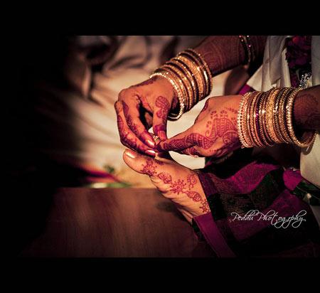 Những tục lệ cưới quái chiêu nhất - 1