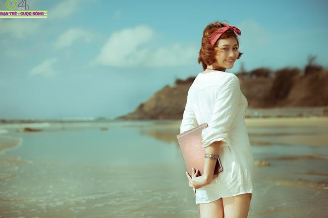 Ngắm thiếu nữ xinh đẹp gợi cảm trên biển Vũng Tàu