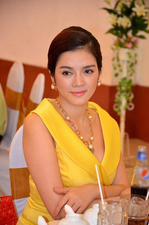 """Những sao Việt giàu """"nứt đố đổ vách"""" - 1"""