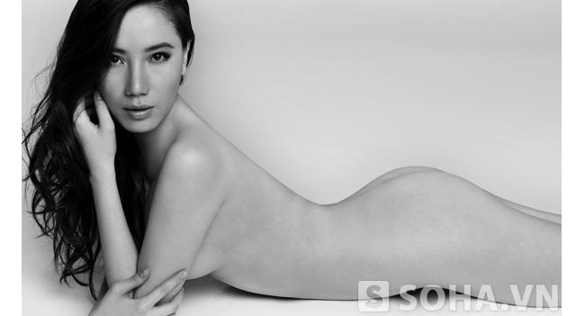 Chung Thục Quyên thực hiện bộ ảnh khỏa thân nhằm tôn vinh vẻ hoàn mỹ của người phụ nữ.