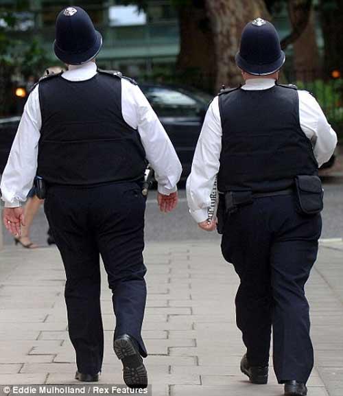 Nhiều nước xử lý cảnh sát béo - 1
