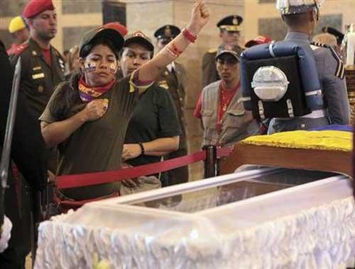 TT Hugo Chavez sẽ được ướp xác - 1