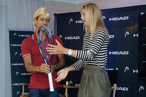 Sharapova tung đòn kungfu hạ Djokovic - 1