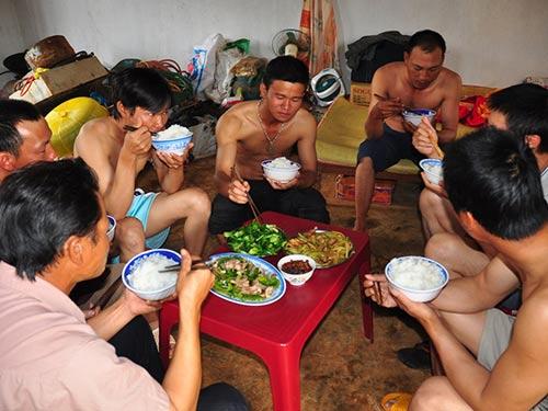 Ngán ngẩm lao động TQ tại Việt Nam - 1