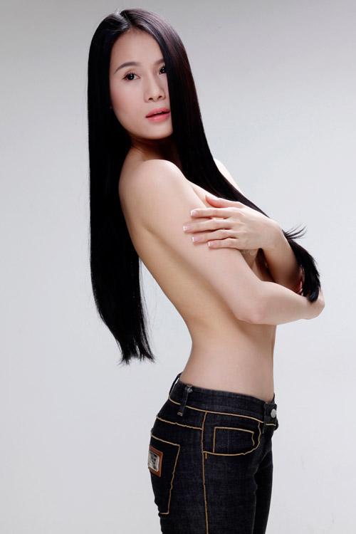 Dàn mẫu trẻ nô nức bán khỏa thân - 1