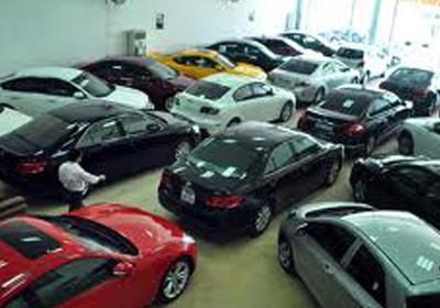 Thị trường ô tô lại ảm đạm khó hiểu - 1