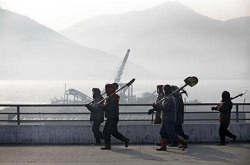 LHQ: 2/3 dân Triều Tiên chạy ăn từng bữa - 1