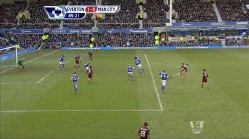"""Man City """"thua oan"""", Mancini bỏ họp báo - 1"""