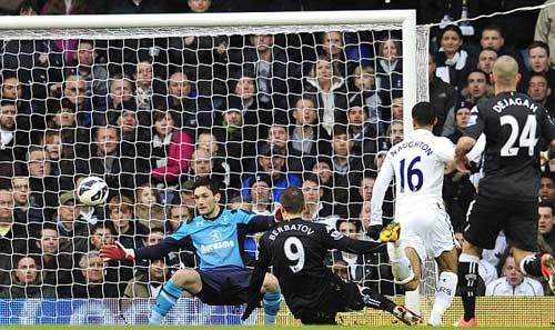 Tottenham - Fulham: Công phá bất thành - 1