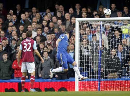 Benitez mơ top 2, Lampard được ngợi ca - 1