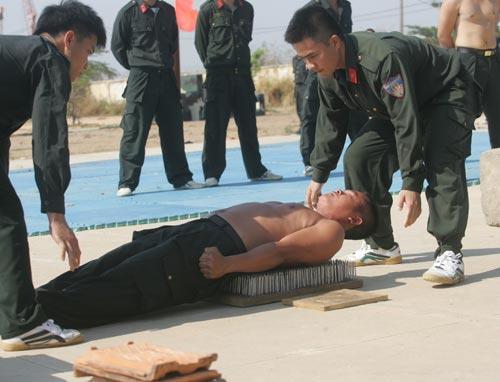 Bộ ảnh: Chuyên gia Triều Tiên luyện CSCĐ Việt - 1