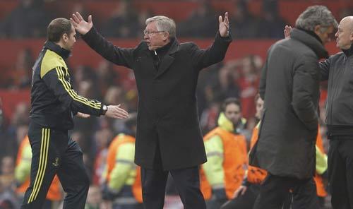 Sir Alex, Nani lĩnh án phạt của UEFA - 1
