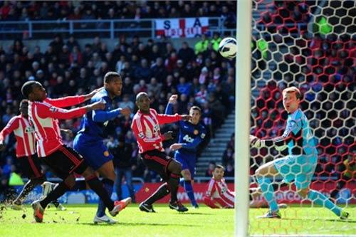 Sir Alex vẫn coi trọng derby Manchester - 1