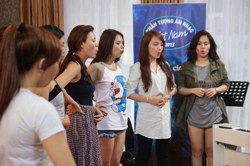 Top 12 Vietnam Idol khăng khít ở nhà chung - 1